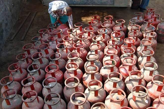 Free LPG,LPG scheme, freeLPG scheme,Pradhan Mantri Ujjwala Yojana, Narendra Modi,LPG cylinder,PMUY refill rate