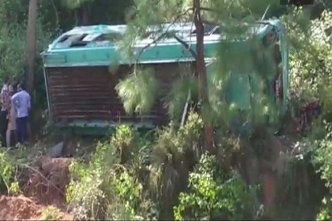 pakistan ravine, pakistan punjab ravine, punjab bus accident, bus accident lahore, bus accident, bus accident people killed