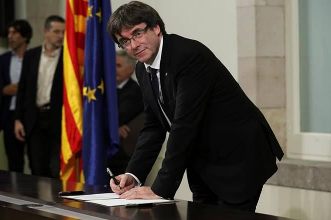 catalan, catalan independence, Barcelona, Carles Puigdemont, spain, Catalan parliament, europe