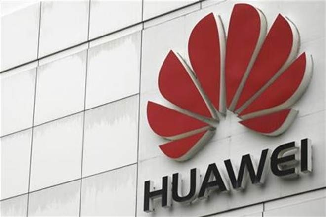 smartphone,Huawei,tremendous Cloud, AI opportunities,Artificial Intelligence, infuseArtificial Intelligence,safe and secure deposit of massive data, investment into technology