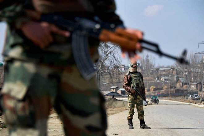 Pulwama district,Pulwama district encounter, jammu and kashmir, tral, millitant attack in pulwama