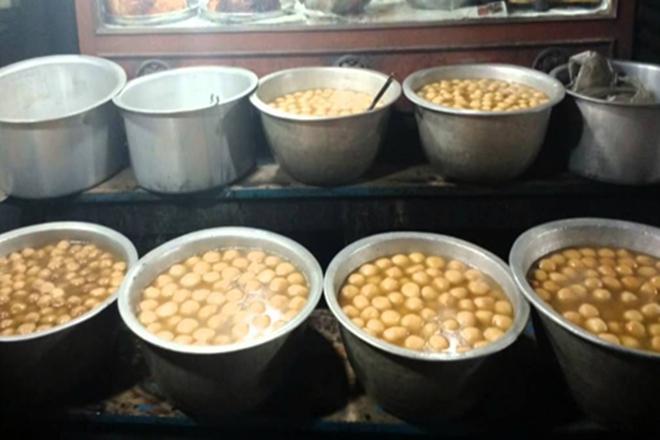 Odishara Rasgulla, Pahala Rasgulla, Rasgulla from Odisha, Sweets from Odisha, GI tag for rosogolla, West Bengal Odisha rosogolla fight,