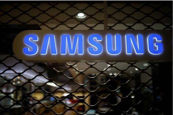 Samsung,UK market,UK smartphones,UK smartphones sales, Huawei,Apple