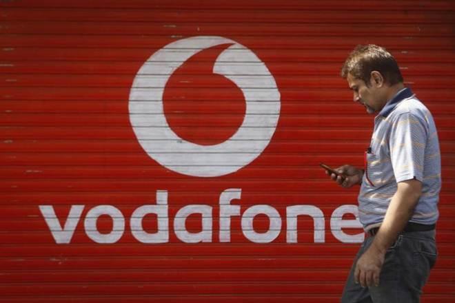 Vodafone,VoLTE service,Sunil Sood,second largest telecom operator,Bharti Airtel,Reliance Jio,Idea Cellular ,pan India Volte network,Mumbai, gujarat