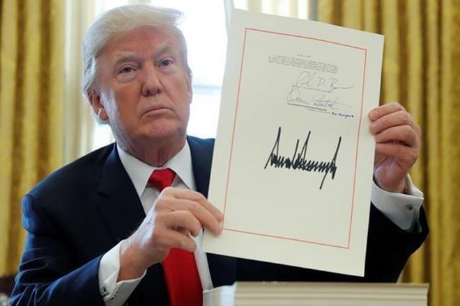 Donald Trump, tax, law,Mar-a-Lago estate,USmissile defenses,federal tax code,TAX CUTS