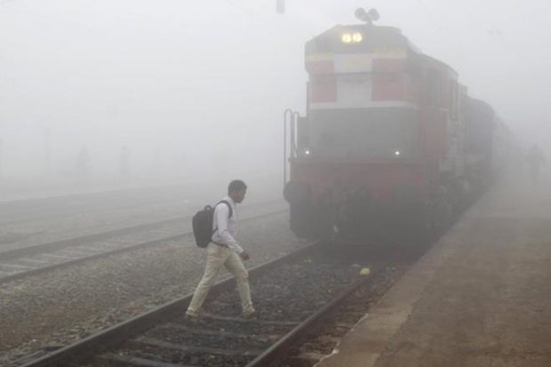 Indian Railway, Railway train status, trains cancelled, low visibility, Delhi experiences cold wave, India Meteorological Department,