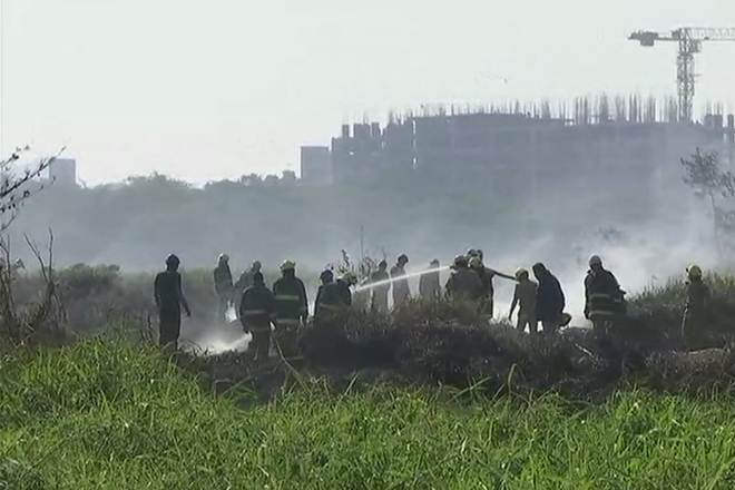 Bengaluru Bellandur Lake fire, bellandur lake fire, 5000 army jawans, bengaluru lake, National Green Tribunal, bellandur lake bengaluru, bellandur lake froth