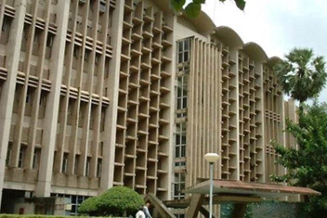 Did IIT Bombay ask non-vegetarian students to use separate plates? Know what university has said