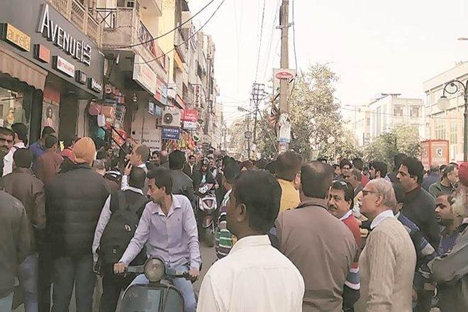 delhi markets closed today sealing drive aap