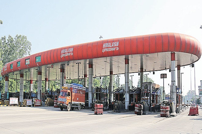 NHAI,NHAI FASTags, toll plazas,National Highways Authority of India,vehicles,Electronic Toll Collection, ETC project