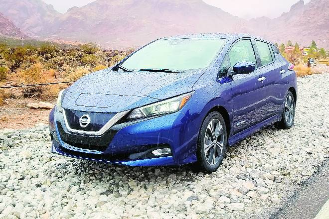 nissan leaf specification, nissan leaf review, car review, auto reviews, electric cars in india, nissan leaf in india