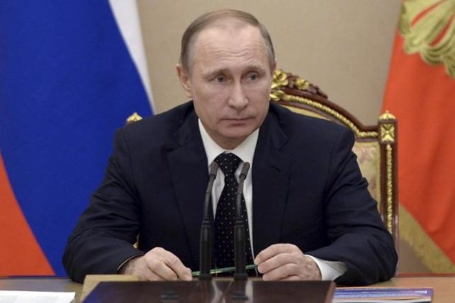 Russian President Vladimir Putin has said his country's combat efficiency and quality of weapons can be ranked the best in the world, which ensures the country's safety.
