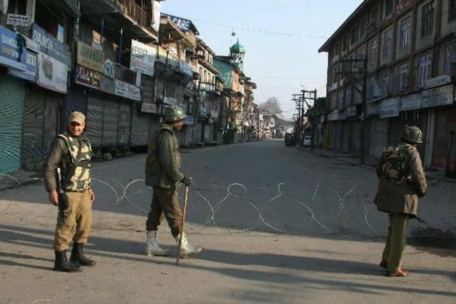 jammu and kashmir restrictions, jnk restrictions, srinagar restrictions, restrictions, protests in kashmir, separatists protest
