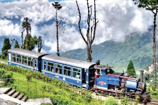 darjeeling,No path in Darjeeling is straight memories of a hill town, darjeeling book, parimal bhattacharya