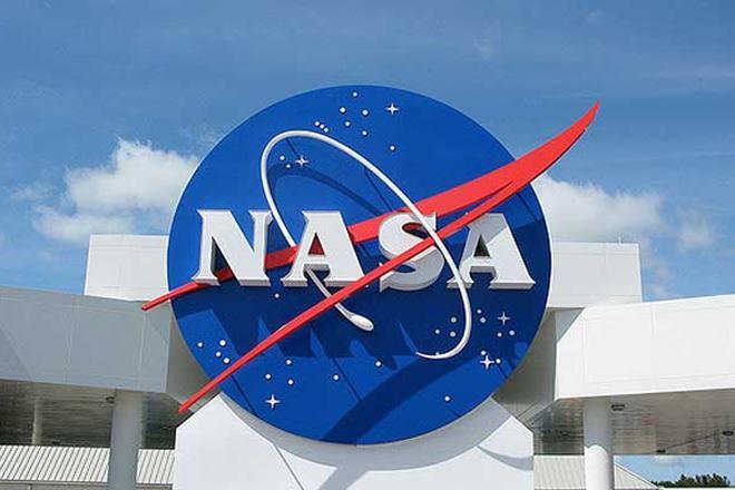 NASA, Mars, cold war atomic rockets, elon musk, man on mars, space exploration