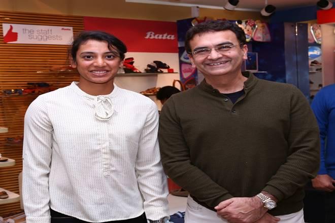 Cricketing star Smriti Mandhana with Sandeep Kataria, Country Manager of Bata India