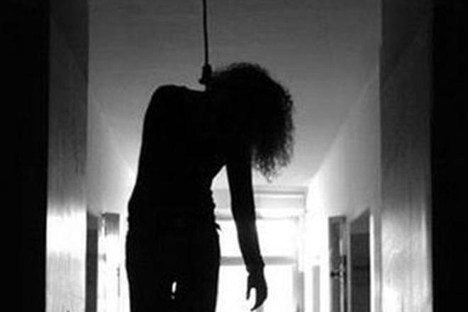 hyderabad suicide, mba student suicide, mba student hangs herself, video call suicide, Hanisha hyderabad suicide,