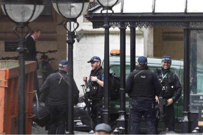 Britain parliament,Britain parliament investigation,Parliament, suspicious powder,