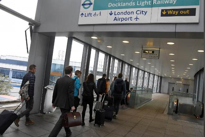 London City Airport, WWII bomb,London's most central airport,Docklands Light Railway,London's fifth-biggest airport
