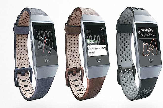 Fitbit,Wearable devices,smartwatches,Apple Watch,SpO2 sensor,Charcoal Band,Smoke Gray case,GPS antenna,Run Detect feature,Fitbit App Gallery