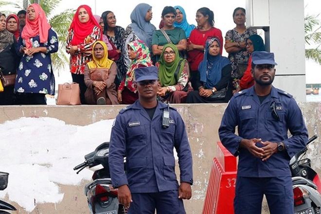 maldives emergency crisis pic