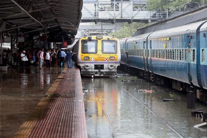 Budget 2018: Budget for Mumbai local trains