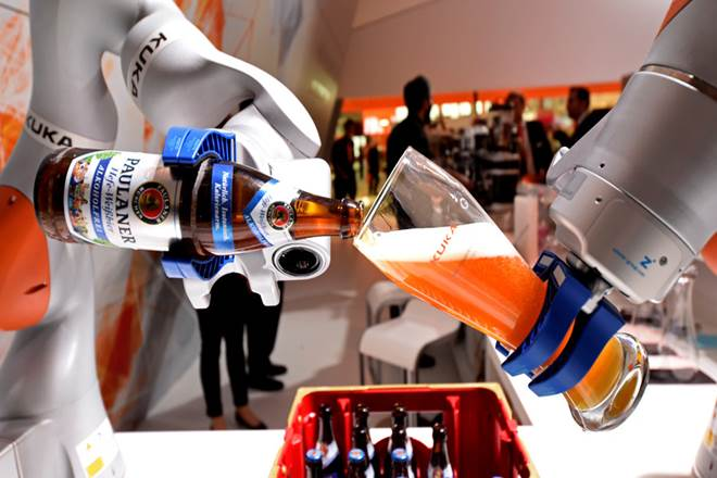 robot, robot in 2018,Symphony Ventures India, AI, IT BPO, RPA