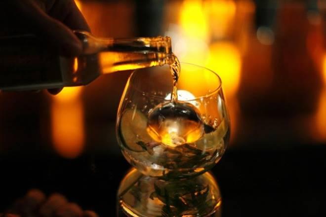 gin, narendra bhawan, bombay sapphire, gin in india, hendricks, T10