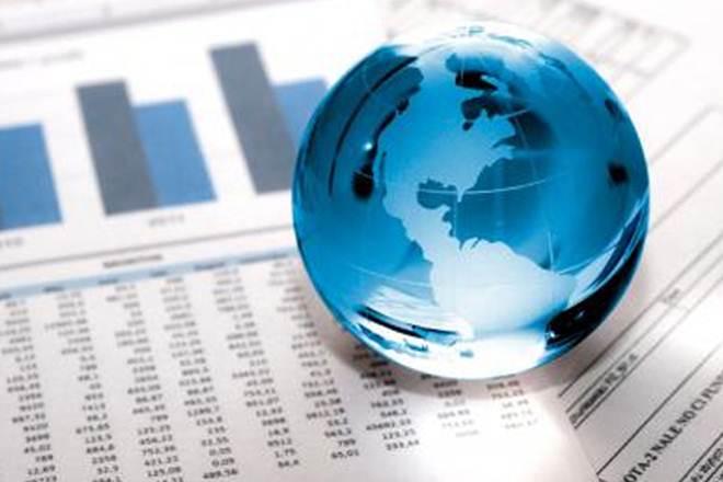 Foreign investors, FII vs DII, mutual fund inflows, Kotak AMC, Geoffrey Dennis, UBS, Ridham Deasai, Morgan Stanley, SIP inflows in India
