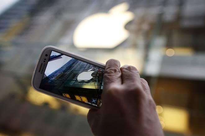 apple, samsung, lg, mobile, handset, smartphone, display market, technology