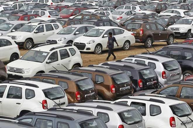 Auto sales,Sales of automobiles,commercial vehicles,passenger vehicles,Maruti Suzuki,Sales in the PV segment,automotive sector,Mahindra & Mahindra