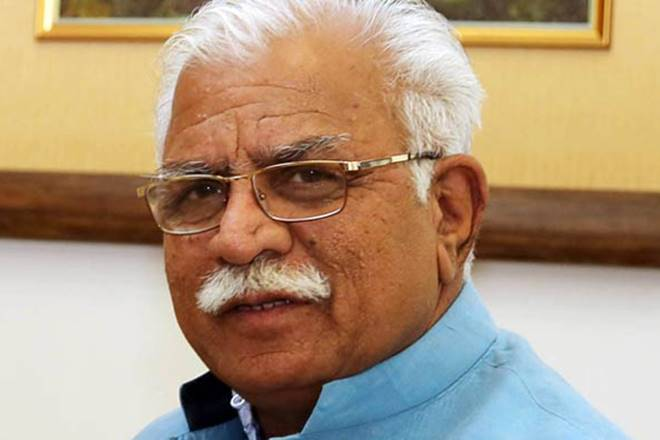 Manohar Lal Khattar,Haryana Chief Minister,Manohar Lal Khattar buying pakodas, Narendra Modi,Anil Vij,Karan Singh Dalal