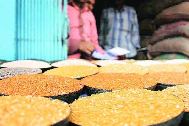 The Centre has granted extension to the Maharashtra government for procurement of tur (arhar) under the Price Support Scheme (PSS) up to May 15 for the kharif season of 2017-18.