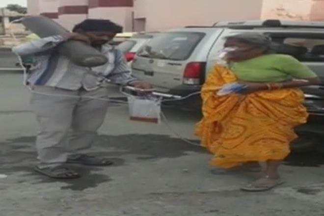 Agra shocker, ambulance, oxygen cylinders,Uttar Pradesh's Agra Medical College,medical apathy
