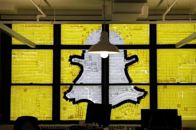 Snapchat, social media, group video chatr on snapchat, group video chat feature in snapchat, snapchatnew feature, news on snapchat, latest news on snapchat