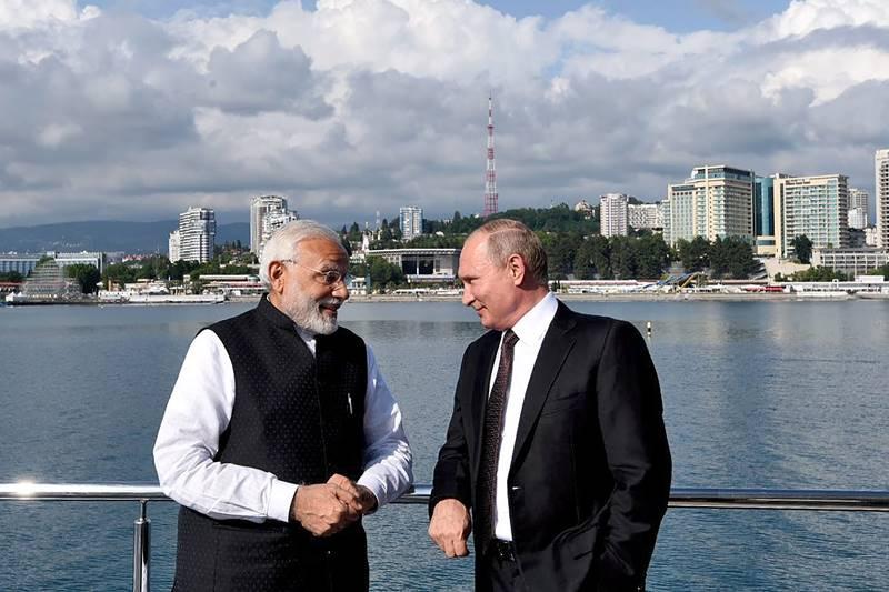 modi in russia, putin modi, modi putin, pm Narendra Modi, russia, russia president vladimir putin, vladimir putin, informal summit, modi meets putin