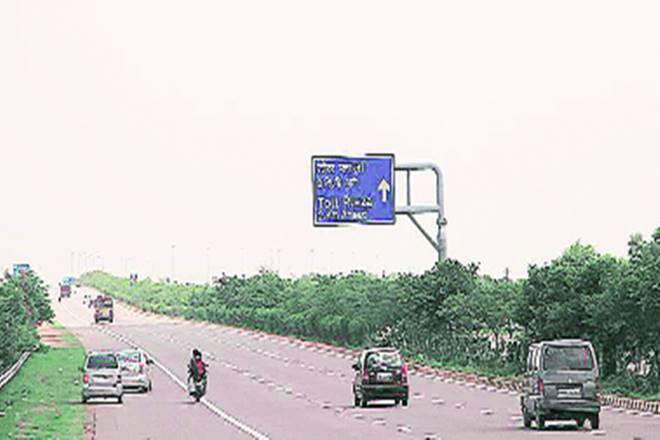 expressway, larsen and toubro, NHAI, roadways, highway, Agra Lucknow Expressway, Samajwadi Party, Akhilesh Yadav, Amitabh Kant, Niti Ayog
