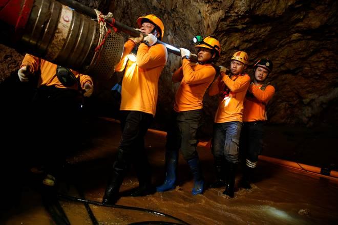 thai cave rescue, thailand cave rescue, thai rescue, thai boys rescue, thailand boys rescue, boys rescued from thailand, thailand football team, thai football team, world news