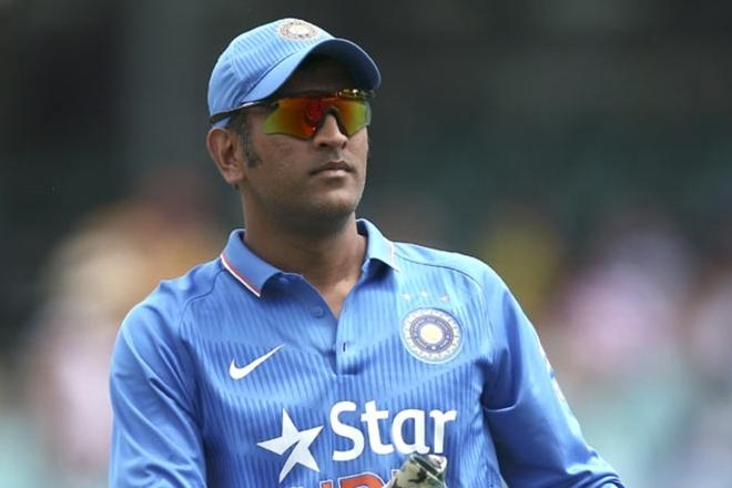 MS Dhoni, Asia Cup match,Dinesh Karthik,Javed Ahmadi,Javed Ahmadi,Anisur Rahaman