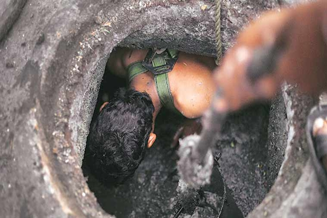 manual scavenging,ban on manual scavenging,Manual Scavengers,Manual Scavengers and their Rehabilitation Act,Delhi Jal Board
