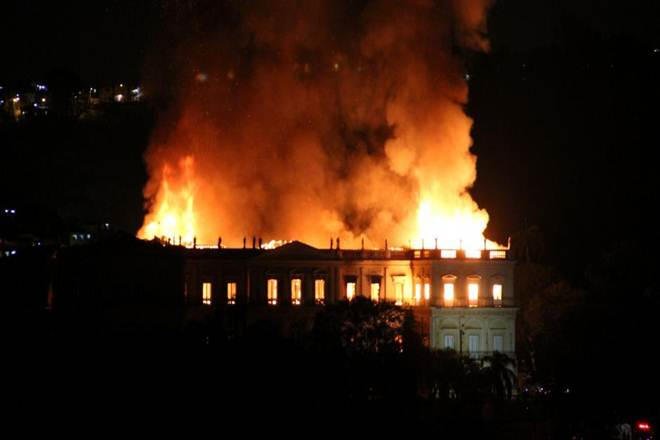 brazil fire, museum on fire, 200 year old museum, fire in brazil museum,