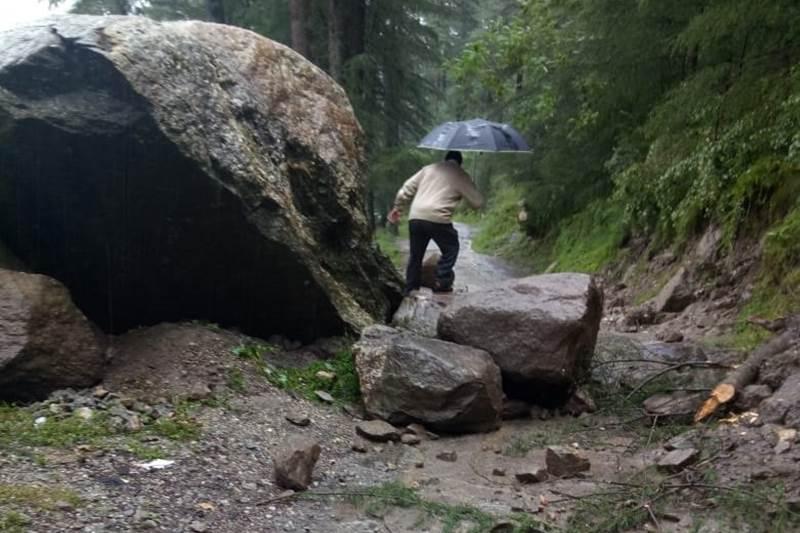 himachal pradesh rains news, himachal pradesh rains, himachal pradesh rain today, himachal pradesh rain alert, rain in himachal today, rain in hp today, rain in himachal pradesh today, himachal pradesh flood 2018, himachal pradesh flood news, himachal pradesh flood situation, himachal pradesh landslide 2018, mandi himachal pradesh landslide