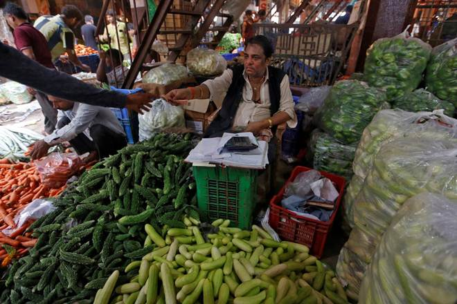 WPI inflation drops to 4 month low in Augustm wholesale inflation in august, WPI, prices of food articles, Deflation in vegetables