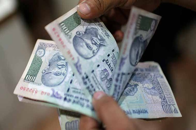 experts says rupee likely to not fall further, indian currency