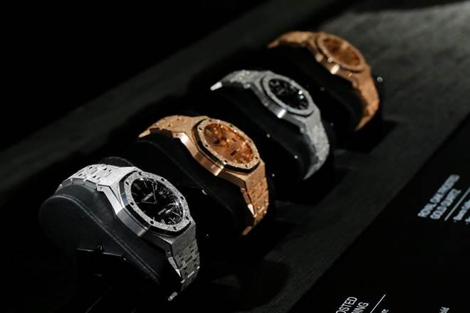 Swiss watch, Swiss watch industry, new Apple Watch, Swiss watch industry threat, Apple Watch Series 4, Swatch, Tissot