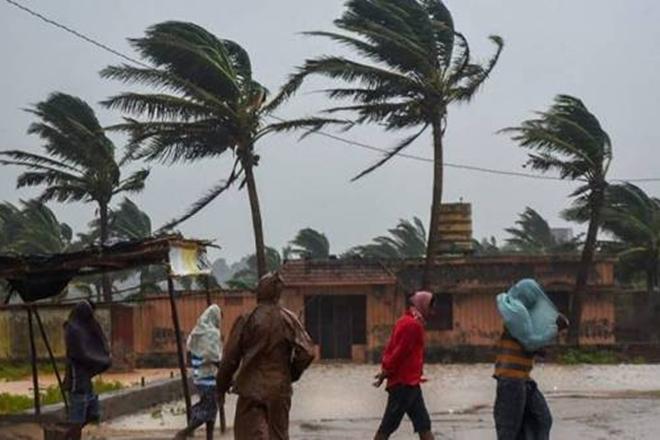 cyclone in india, cyclone news, cyclone in orissa, cyclone in odisha 2018, cyclone in india 2018, cyclone in andhra pradesh, cyclone in gorakhpur, cyclone in kerala, cyclone in bay of bengal, cyclone titli odisha, cyclone titli andhra pradesh