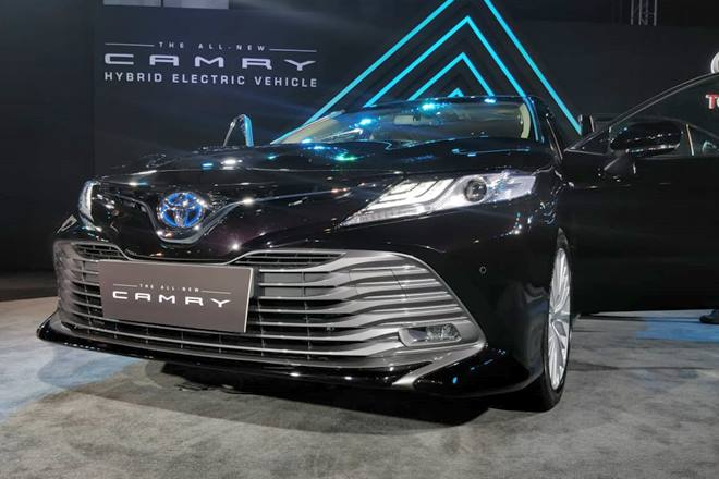 Toyota Camry 2019 Launch Highlights Design Hybrid Powertrain